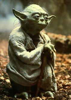 """""""Fais-le, ou ne le fais pas. Il n'y a d'essai."""" - Maître Yoda"""