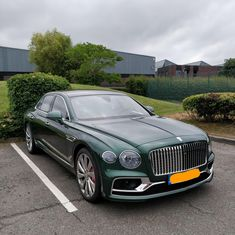 New Bentley Flying Spur New Sports Cars, Exotic Sports Cars, Sport Cars, Exotic Cars, New Bentley, Bentley Auto, Jaguar Accessories, Bentley Rolls Royce, Bentley Flying Spur