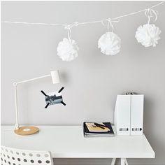 IKEA Deutschland | Die  weisse VISIONÄR Hängedekoration ist verspielt und dekorativ - ein überraschender Blickfang im Raum.