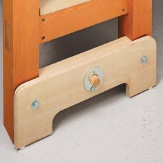 Shop-Made Bench Leveler   Woodsmith Tips