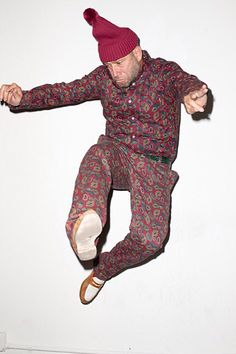 Mark Gonzales for Supreme 2013 Fall/Winter Editorial by Terry Richardson: Some familiar Supreme friends and family link up for a recent SENSE magazine editorial. Hugh Hefner Death, Street Fashion, Mens Fashion, Terry Richardson, Hip Hop Outfits, Action Poses, Man Photo, My Ride, Mens Clothing Styles