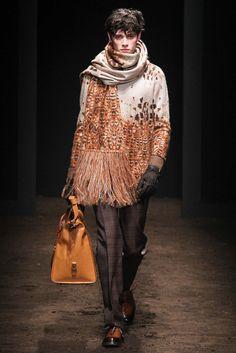 http://www.style.com/slideshows/fashion-shows/fall-2015-menswear/salvatore-ferragamo/collection/30