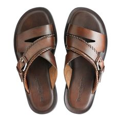 Tenis Casual, Casual Shoes, Leather Slippers, Leather Sandals, Gents Slippers, Best Sandals For Men, Mens Beach Shoes, Mens Flip Flops, Brown Sandals