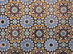 Moroccan Mosaic. Who wouldn't want something like this in their kitchen?