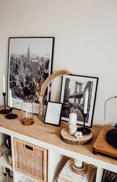 Décorez votre salon avec les posters Desenio - The Cocooning Factory Room Decor Bedroom, Living Room Decor, Interior Inspiration, Room Inspiration, Diy Home Decor, House Styles, Diy Simple, Storage Cubes, Home By