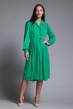 12c6ad50b47 pleated shirtwaist dress green knit long sleeves big buttons vintage 70s  LARGE L
