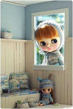 Blythe and a miniature Blythe