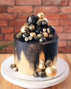 Chocolate and hazelnut cake - HQ Recipes Birthday Cakes For Men, Beautiful Birthday Cakes, Beautiful Cakes, Amazing Cakes, Men Birthday, Rainbow Birthday, Buttercream Cake, Fondant Cakes, Cupcake Cakes