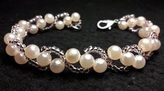 Delicate Bracelet of Pearls and Mostacillas ... Class # 63 !!!