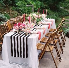 Love the stripped cloth on table.