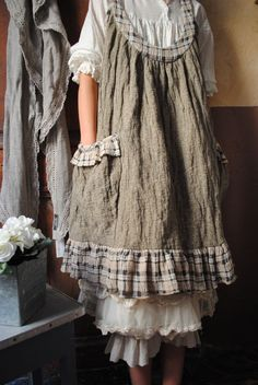 Atelier de Ours. Aubrie (main character) in Lead Me Beside Still Waters dresses in prairie style