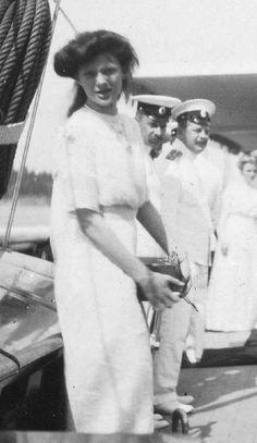 Tatiana, 1910. Windy ))