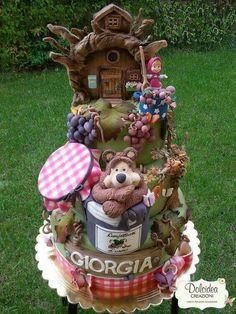 Masha e o Urso! Crazy Cakes, Fancy Cakes, Cute Cakes, Wilton Candy Melts, Gorgeous Cakes, Amazing Cakes, Fondant Cakes, Cupcake Cakes, Masha Cake