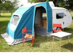 TRAVEL AND CAMP - TEARDROP MINI CARAVAN