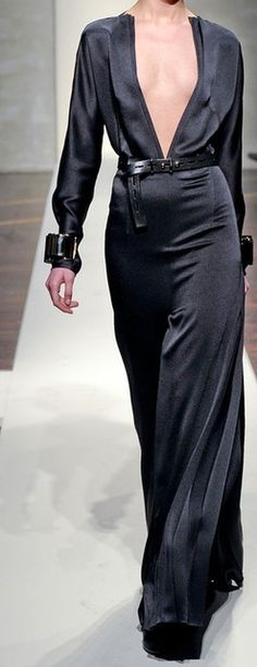 Gianfranco Ferré at Milan Fashion Week Fall 2012 Fashion Week, High Fashion, Love Fashion, Womens Fashion, Milan Fashion, Beautiful Gowns, Black Is Beautiful, Ferrat, Dior