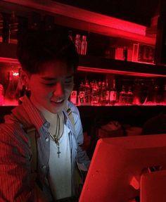 «JiMin cayó por aquel muchacho que atendía en el bar no dudó en volve… #fanfic # Fanfic # amreading # books # wattpad
