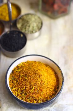 It takes a little effort to combine spices at home and make achaar ka masala. Learn how to make pickle masala in a few simple steps. Masala Powder Recipe, Masala Recipe, Homemade Spices, Homemade Seasonings, Indian Pickle Recipe, Easy Cooking, Cooking Recipes, Sauces, Pickled Garlic