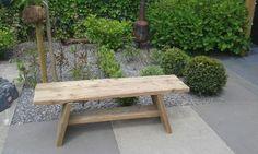 Vandaag een tuinbankje gemaakt van oude steigerplanken