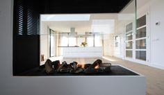 Van binnen uit sterren zien - Bekhuis & KleinJan Spacious Living Room, Ceiling Lights, Bungalow Ideas, Building, Modern, House, Home Decor, Trendy Tree, Decoration Home
