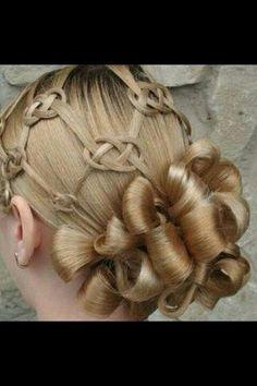Image via We Heart It https://weheartit.com/entry/137671542 #celtic #hairstyle #scottish