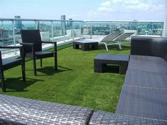 Artificial Turf for Roofs, Decks & Patios, in Toronto SYNLawn transforms your deck, patio, or rooftop into beautiful outdoor living areas to create more usable and functional spaces. Innovative solutions from SYNLawn provide creative possibilities for usi