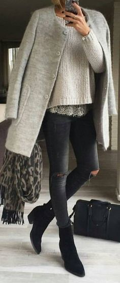 #winter #fashion / Grey Coat / Black Skinny Jeans / Black Booties / Cream Knit