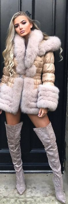 How To Make Your Coat Look Amazing - Look By Daisey O'donnell http://ecstasymodels.blog/2017/10/10/coat-look-amazing-look-daisey-odonnell/