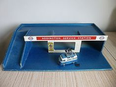 Vintage 1950s 60s a barton & co #wooden toy garage esso #addington service #stati, View more on the LINK: http://www.zeppy.io/product/gb/2/252485940528/