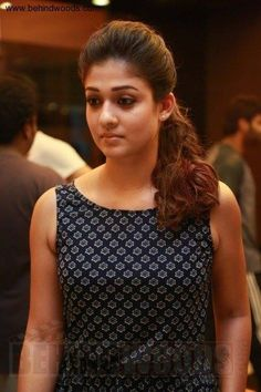 Gorgeous and Beautiful South Indian Actress Nayanthara Hot Photos, HD Images, HD Wallpapers and Nayanthara Hot Pics. South Indian Actress, Beautiful Indian Actress, Beautiful Actresses, South Indian Wedding Hairstyles, Vintage Midi Dresses, Saree Hairstyles, Salwar Neck Designs, Indian Bridal Fashion, Indian Celebrities