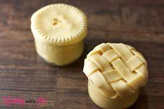 Cooking with Jax: Chicken Pot Pie (in Mason Jars!) Pot Mason, Mason Jars, Mason Jar Meals, Meals In A Jar, Empanadas, Individual Chicken Pot Pies, Canning Recipes, Jar Recipes, Bakery Recipes