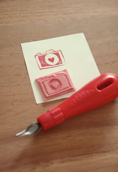 Clickphoto - Lien: DIY | handmade stamp. Like this idea, make a polaroid stamp