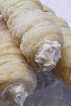 "cream horns ""This is a delicious dessert everyone will love. With less sugar than store-bought, it's also a smarter choice. The cream filling is like a sweet heavenly cloud. Bakery Recipes, Cookie Recipes, Bread Recipes, Strudel, Croissants, Dessert Dishes, Dessert Recipes, Just Desserts, Delicious Desserts"