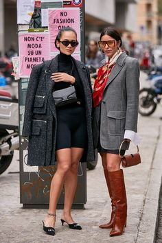 The Latest Street Style From Milan Fashion Week- See the Latest Milan Fashion Week Street Style Spring 2020 Milan Fashion Week Street Style, Look Street Style, Spring Street Style, Milan Fashion Weeks, Cool Street Fashion, Street Chic, New York Fashion, Look Fashion, Winter Fashion