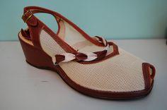 vintage 2 tone wedge shoes        size 8