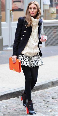 流行のアニマル柄ミニスカート×大きめざっくりニット♡  ショートブーツもバランスがいい♪