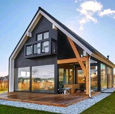 Simple yet gorgeous architecture for this country house with exposed beam and large bay windows. Tiny House Cabin, Tiny House Design, Cabin Homes, Modern House Design, Tiny Cabin Plans, Cabin Design, Farm House, Modern Barn House, Modern Wooden House