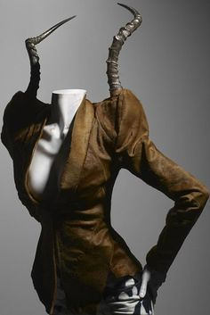 Alexander McQueen, Savage Beauty Exhibition,  Costume Institute of the Museum of Art, 2011 (Döid - A Swiss Fashion and Lifestyle Blog)