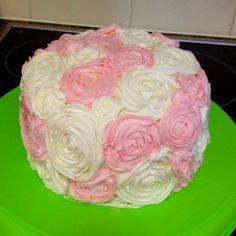 Easy flower cake for beginner decoraters! So easy :)