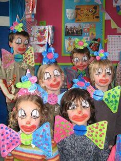 """Résultat de recherche d'images pour """"knutselen carnaval peuters"""" Carnival Activities, Carnival Crafts, Carnival Decorations, Carnival Games, Preschool Activities, Preschool Circus, Preschool Crafts, Crafts For Kids, Circus Art"""