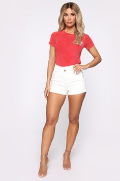 Fashion Nova has the best selection of women's high waisted jeans online. From high waisted flare jeans to high waisted skinny jeans and distressed denim to boyfriend high rise jeans, you'll find it all here. Crop Top Outfits, Sexy Outfits, Fashion Outfits, Beautiful Legs, Gorgeous Women, High Waisted Shorts, High Waist Jeans, Fit Women, Sexy Women