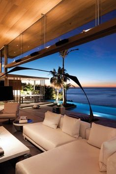 Gorgeous modern designed beach house! And these views! Goodness
