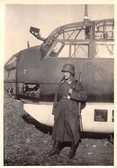 JU 88 Junker`s Bomber - Flugplatz Bely-Kolodes 1942 German Soldier, German Army, Luftwaffe, Ww2 Aircraft, Military Aircraft, Ww2 Pictures, Ww2 Planes, Battle Of Britain, Nose Art