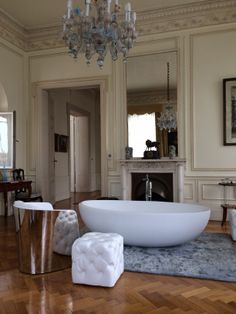 IBordi #bathtub in a very special and louxury setting: Palazzo Venezia Istanbul - Turkey