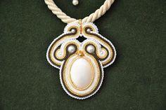 Kina hand made: Perłowy wisior