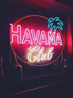 Trust Quotes : neon ışık neon yazı drm neon by Life Tattoo Wallpaper, Neon Moon, Havana Club, Neon Words, Vintage Neon Signs, Trust Quotes, Neon Aesthetic, White Aesthetic, Havana Nights