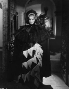 It's The Pictures That Got Small ~~ MARLENE DIETRICH