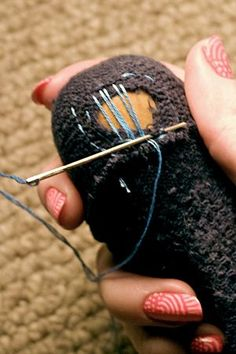to darn socks- can't wait to fix up my beloved chunky knit stockings! Sewing Hacks, Sewing Tutorials, Sewing Crafts, Sewing Projects, Crochet Socks, Knitting Socks, How To Darn Socks, Visible Mending, Make Do And Mend