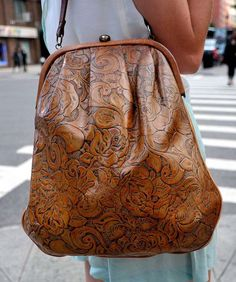 Photo by Daniel Zuchnik on Getty Images · · · Brown handbag Tote Handbags, Purses And Handbags, Fashion Bags, Womens Fashion, Mode Vintage, Beautiful Bags, Leather Working, My Bags, Fashion Accessories