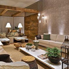 Amazing!!!  Living perfeito por Estela Netto com a mistura de materiais rústicos e sofisticados!! #design #decor #decoração #interiordesign #homedecor #living