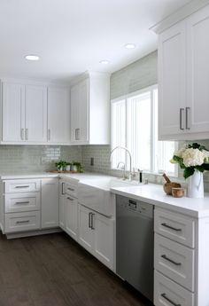 Calabasas Contemporary - Four Point Design Build Modern Kitchen Design, Kitchen Cabinet Design, Kitchen Redo, Home Decor Kitchen, Interior Design Kitchen, New Kitchen, Home Kitchens, Kitchen Remodel, Kitchen Cabinets